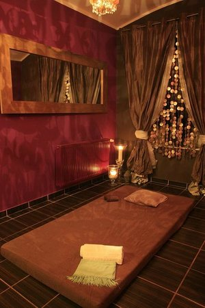 Escort  prague tantra massage center