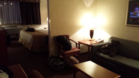BEST WESTERN East Towne Suites: Mini Suite with King Bed in Far View