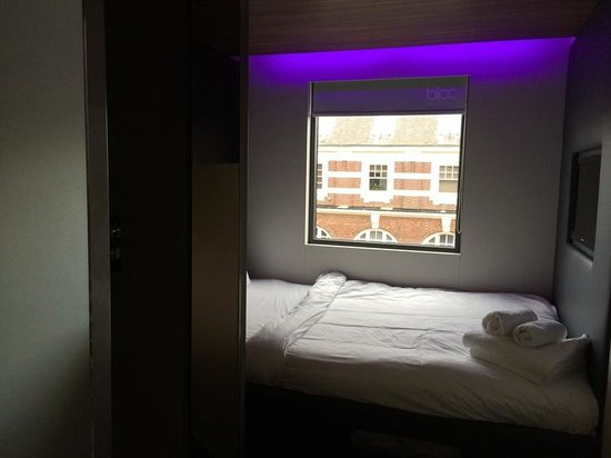 bed picture of bloc hotel birmingham  birmingham
