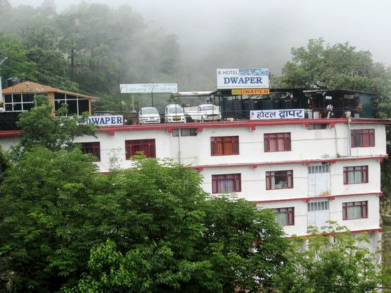 Hotel dwaper mussoorie hotel reviews photos rates - Mussoorie hotels with swimming pool ...