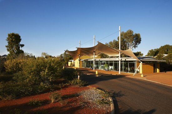 desert gardens hotel exterior reception picture of desert gardens hotel ayers rock resort