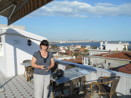 Hotel Darussaade Istanbul: View from the terrace