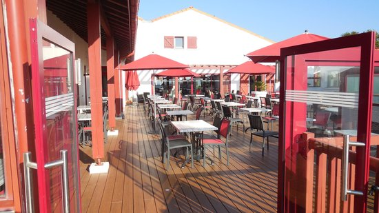 terrasse bar picture of hotel club vacanciel guethary. Black Bedroom Furniture Sets. Home Design Ideas