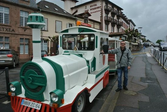 Le petit train st jean pied de port picture of petit - Train from paris to st jean pied de port ...