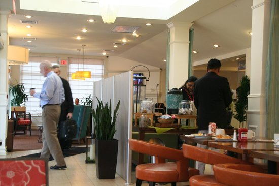 Restaurant And Lobby Picture Of Hilton Garden Inn Queens