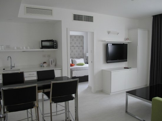 Photo of Best Western Regency Suites Tel Aviv
