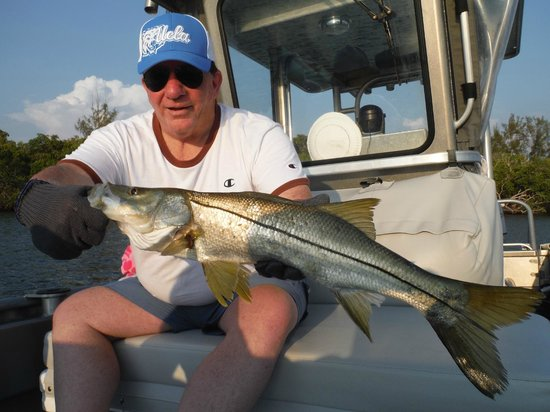 Inshore bay or offshore deep sea fishing fort myers cape for Cape coral fishing report