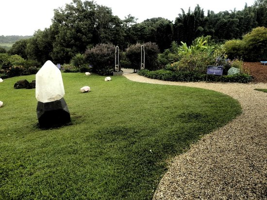 crystal castle - paths - picture of crystal castle  u0026 shambhala gardens  mullumbimby