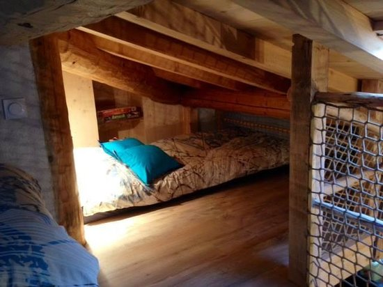 maison des hobbit picture of les cabanes du varon flayosc tripadvisor. Black Bedroom Furniture Sets. Home Design Ideas
