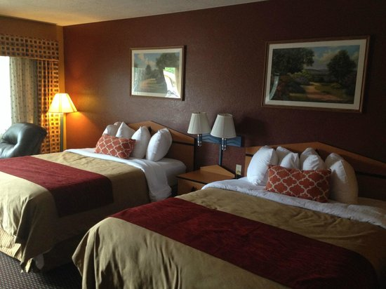 Hotels In Lawrence Ks With Jacuzzi In Room