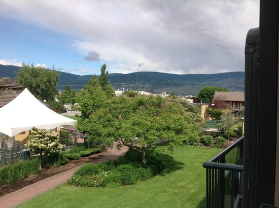 Ramada Penticton Hotel and Suites: View from Balcony