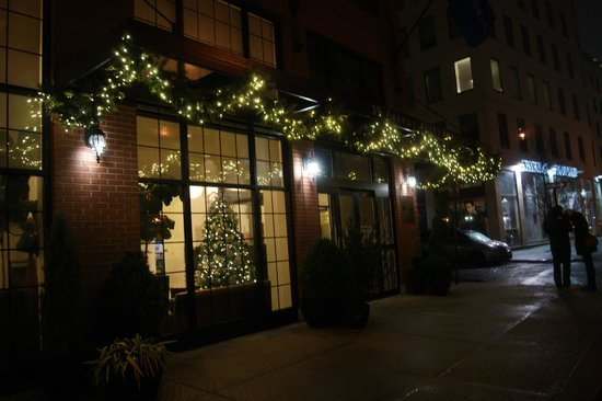 Outside Hotel Picture Of Hilton Garden Inn New York Tribeca New York City Tripadvisor