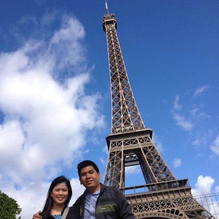 Lovers In Paris Picture Of Eiffel Tower Paris TripAdvisor