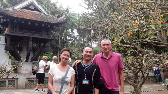 Tour Guide Hanoi - Private Day Tours