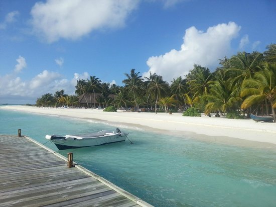 Download this Chilling Picture Meeru Island Resort And Spa Meerufenfushi picture