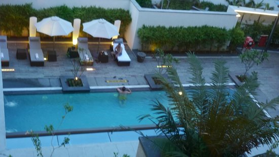 Swimming pool picture of the gateway hotel it expressway chennai chennai madras tripadvisor for Beach resort in chennai with swimming pool