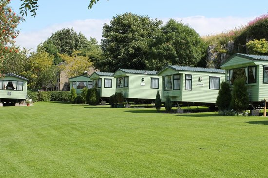 Excellent Bedroom Static Caravan For Hire At Flamingo Land Theme Park Amp Zoo In