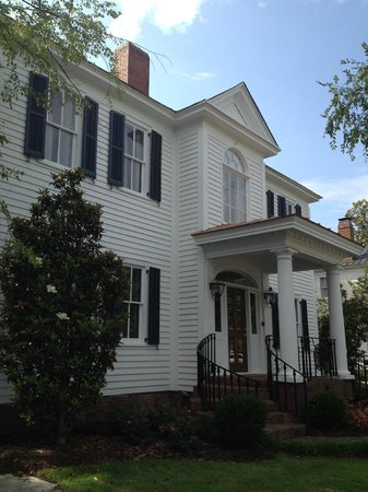 Photo of Carriage House Inn Aiken