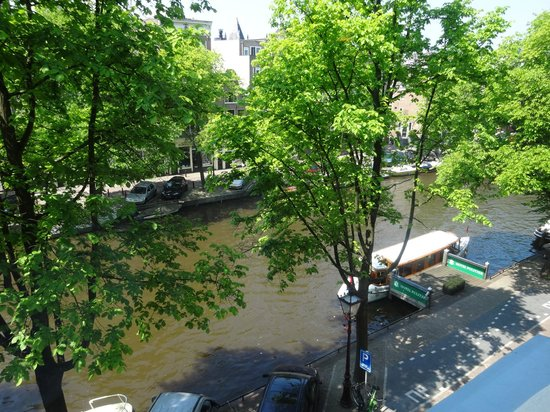 Hotel Pulitzer Amsterdam: Canal view from room 405
