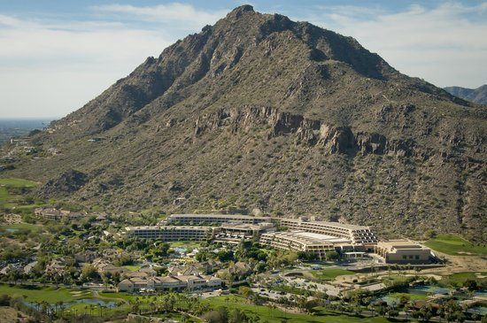 The Canyon Suites at The Phoenician: Camelback Mountain