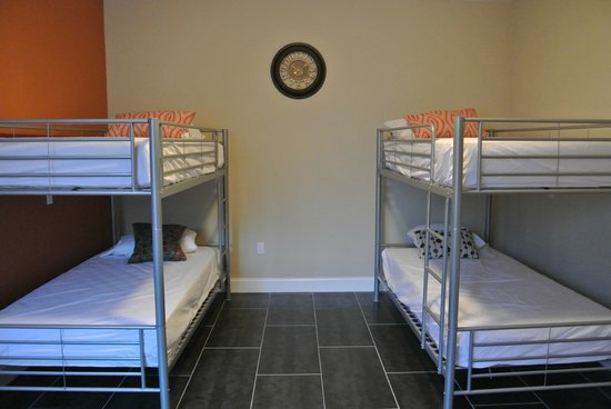 Spacious dorm rooms picture of beds n 39 drinks miami for Beds n drinks