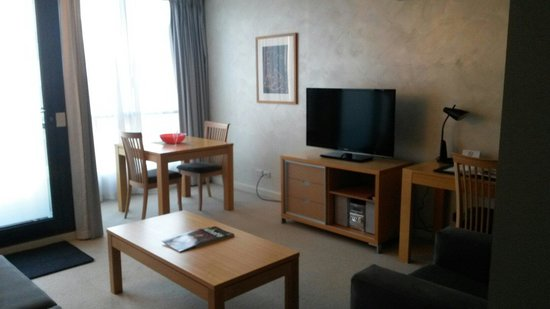 Quest Southbank: One bedroom apartment -lounge/dining