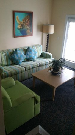 Parrot Key Hotel and Resort: Separate Living Room