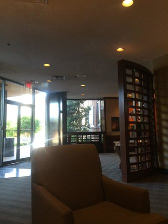 Virginian Suites Arlington: Lobby