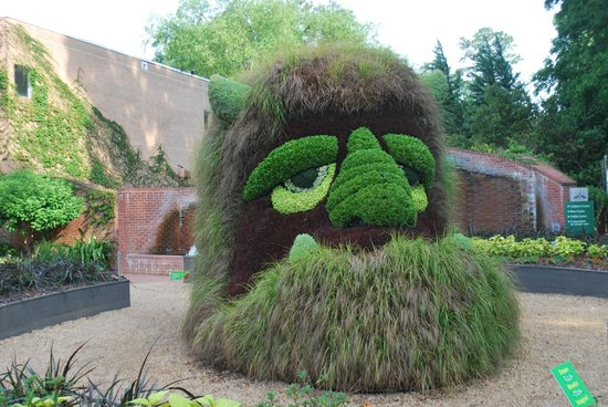 ogre topiary picture of atlanta botanical garden