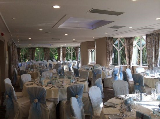 Conservatory Restaurant at Crabwall Manor Hotel | Crabwall Manor Hotel, Mollington CH1 6NE | +44 1244 851666