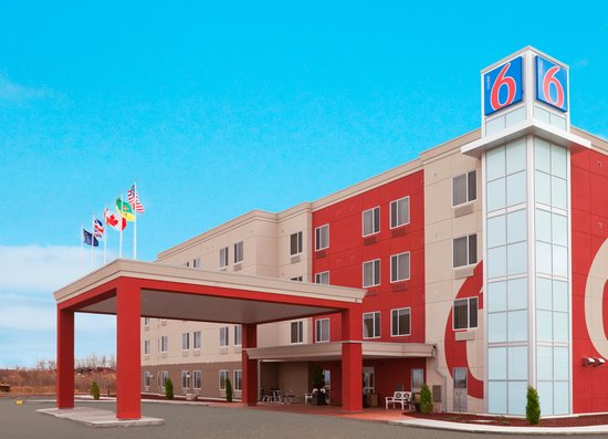 Motel 6 - Airdrie