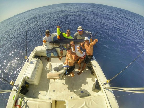 Fish 1 out of 4 for Los cabos fishing charters