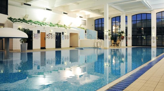 Swimming pool picture of village hotel wirral bromborough tripadvisor for Wirral hotels with swimming pools