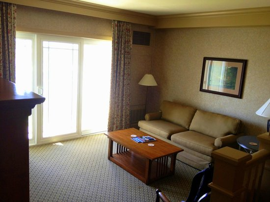 Hotel Bellwether: The living room in our suite