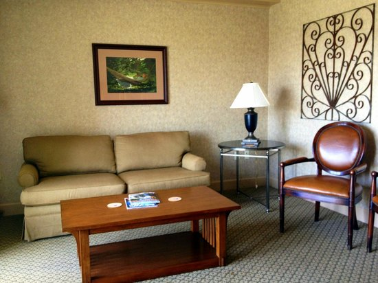 Hotel Bellwether: The living room