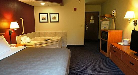 Photo of AmericInn Lodge & Suites Baldwin
