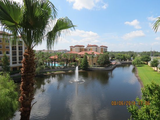 Floridays Resort Orlando: THE VIEW FROM OUR APARTMENT