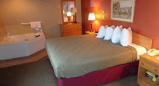 AmericInn Lodge & Suites Hesston