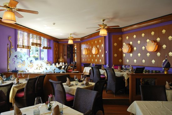 The 10 best restaurants near swiss luxury apartments for Restaurants with private rooms near me
