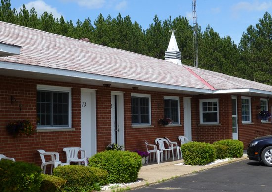 Mountain view motel barry 39 s bay 2018 hotel review for Mt vista cabina e motel