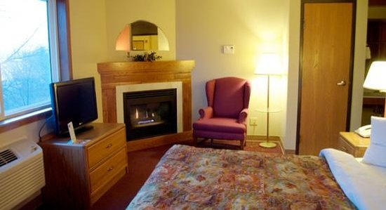 Photo of AmericInn Lodge & Suites Menomonie