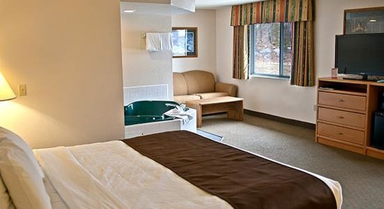 Photo of AmericInn Lodge & Suites Rhinelander