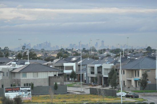 Melbourne city in the distance picture of mercure melbourne caroline springs caroline springs for Caroline springs swimming pool