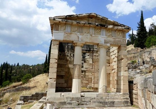 Athens Treasury at Delphi - Picture of Delphi Ruins ...
