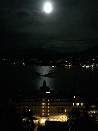Art Deco Hotel Montana Luzern: View from Room 605 at Night