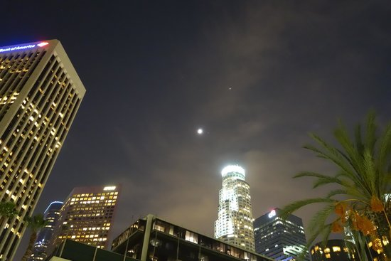 The LA Hotel Downtown: Blood Moon Eclipse 4/14/14