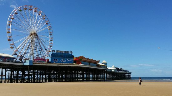 Hotels Central Pier Blackpool