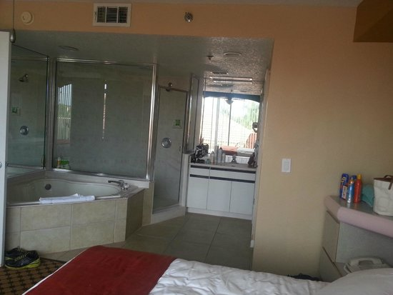 King Size Suite W Jacuzzi Tub And Full Walk In Shower Picture Of Westgate T