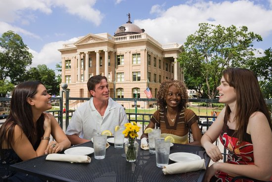 Georgetown, TX: Enjoy A Balcone Dining View!