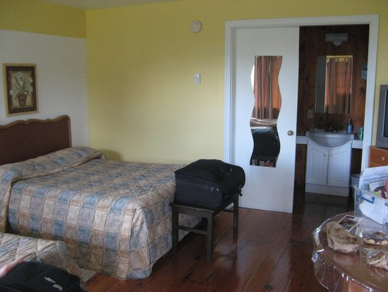 Beach Breeze Motel: All the Bare Necessities for a Short Stay